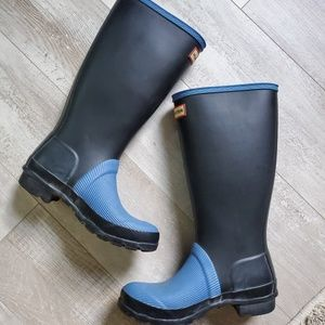 RARE COLOR Hunter boots